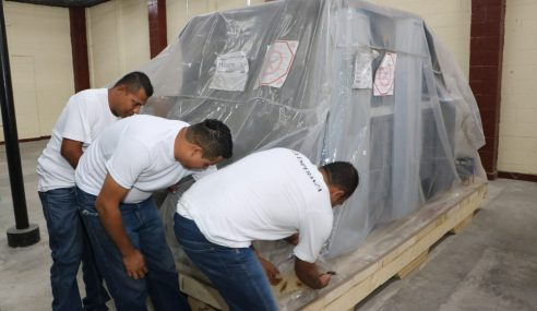 """Centros penales realiza recorrido en Imprenta """"La Esperanza"""""""