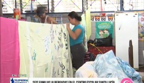 Seis familias albergadas en el centro escolar de Santa Lucía